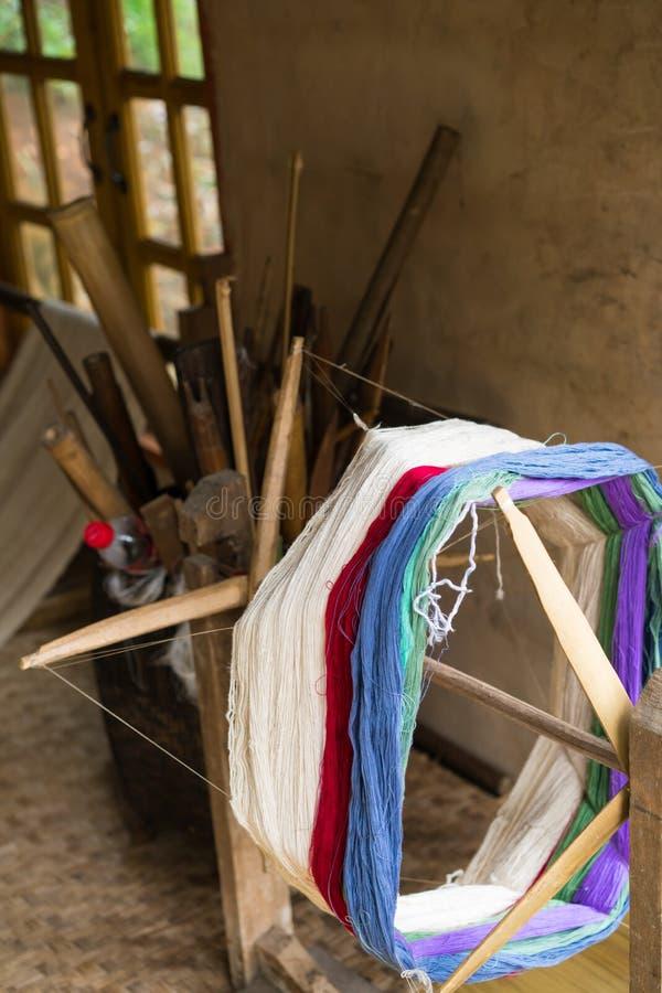 Traditioneel weefgetouw voor wolkleren Zachte nadruk stock foto