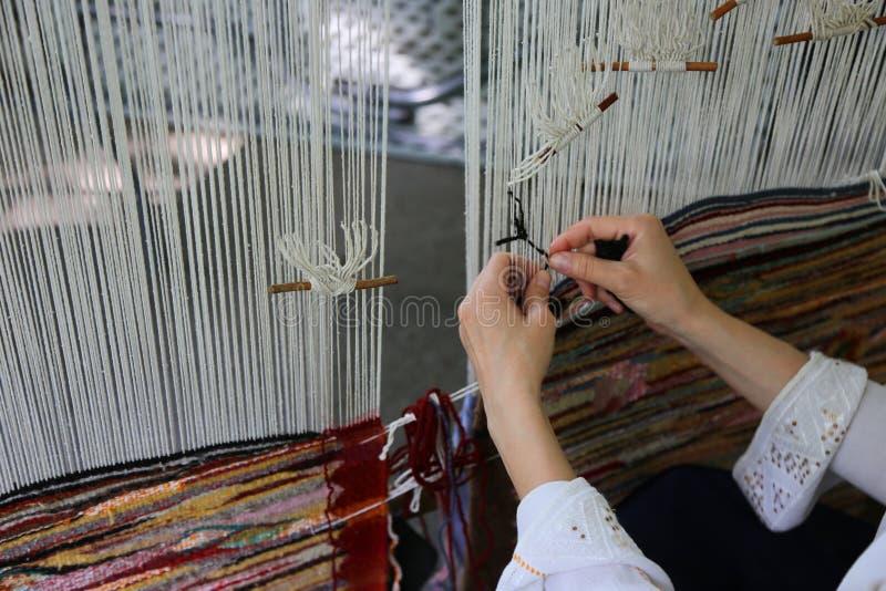 Traditioneel wevend weefgetouw stock afbeelding