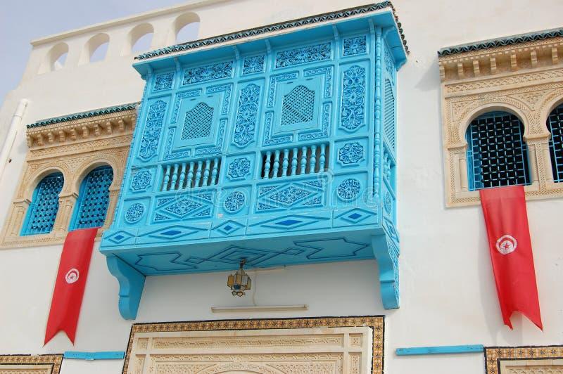Traditioneel wit-blauw huis van kairouan. stock fotografie
