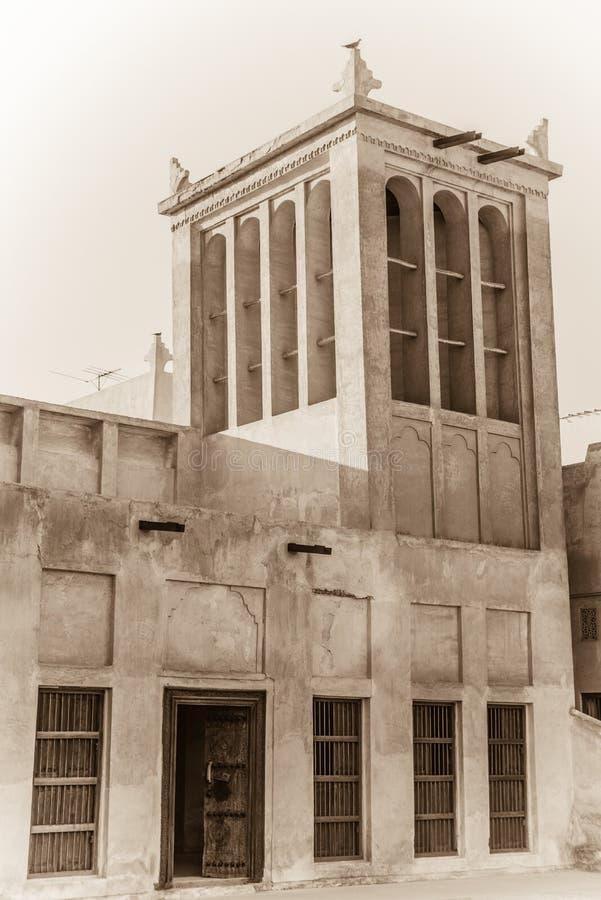 Traditionele Arabische koeltoren stock afbeeldingen