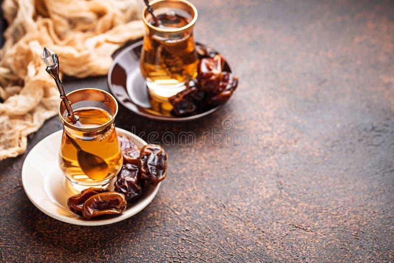 Download Traditionele Arabische Thee En Droge Data Stock Afbeelding - Afbeelding bestaande uit ramadan, culturen: 114227441