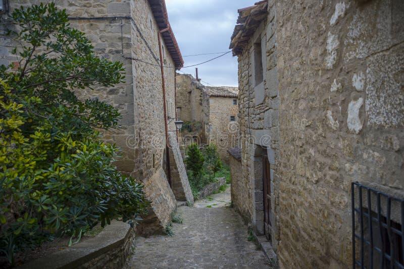 Traditionele architectuur in Sos del Rey Catolico stock afbeelding