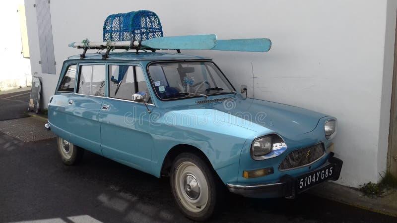 Traditionele auto in Frankrijk stock foto