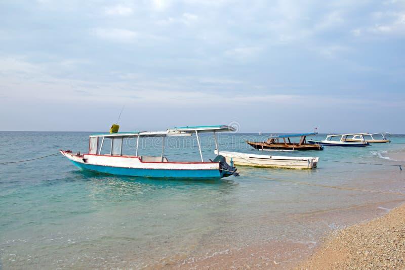 Traditionele boten op Gili Meno in Indonesië stock afbeeldingen