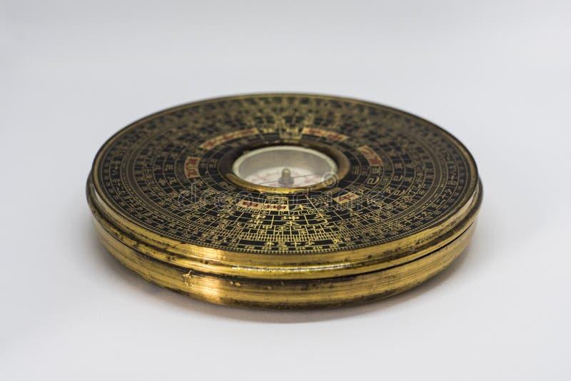 Traditionele Chinese compas met geschrift royalty-vrije stock foto