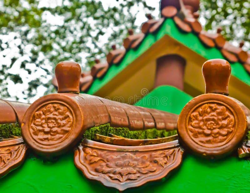 Traditionele Chinese daktegels, close-up stock afbeeldingen