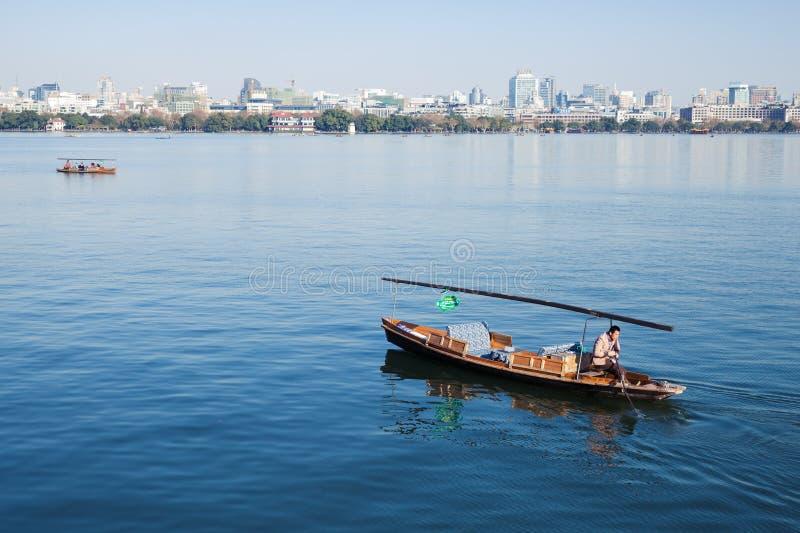 Traditionele Chinese houten recreatieboot royalty-vrije stock afbeelding