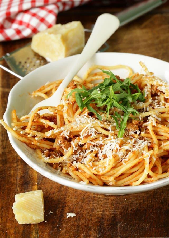 Traditionele deegwaren met tomatensausspaghetti bolognese royalty-vrije stock afbeeldingen