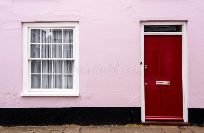 Traditionele Engelse huis vooringang stock afbeelding
