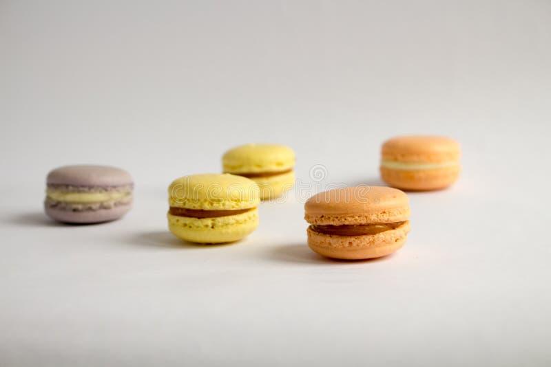 Traditionele Franse kleurrijke macarons royalty-vrije stock afbeeldingen