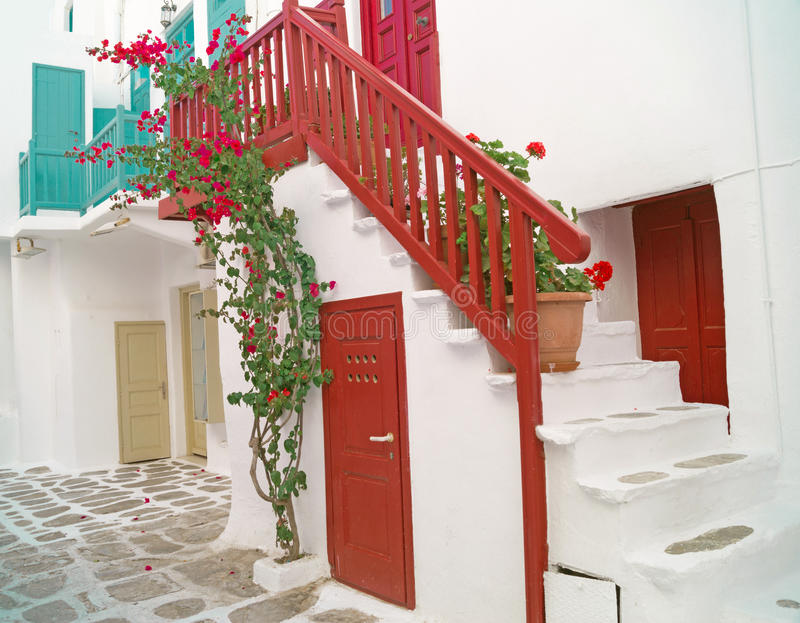 Traditionele Griekse architectuur op Mykonos-eiland royalty-vrije stock afbeelding
