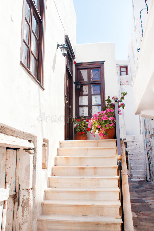 Traditionele Griekse steeg op Naxos-eiland royalty-vrije stock fotografie