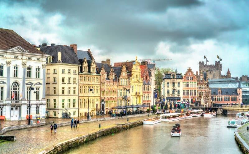Traditionele huizen in de oude stad van Gent, België royalty-vrije stock afbeelding