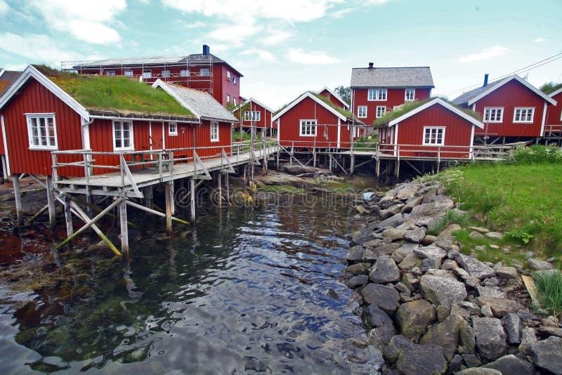 Traditionele huizen in Lofoten, Noorwegen royalty-vrije stock foto's