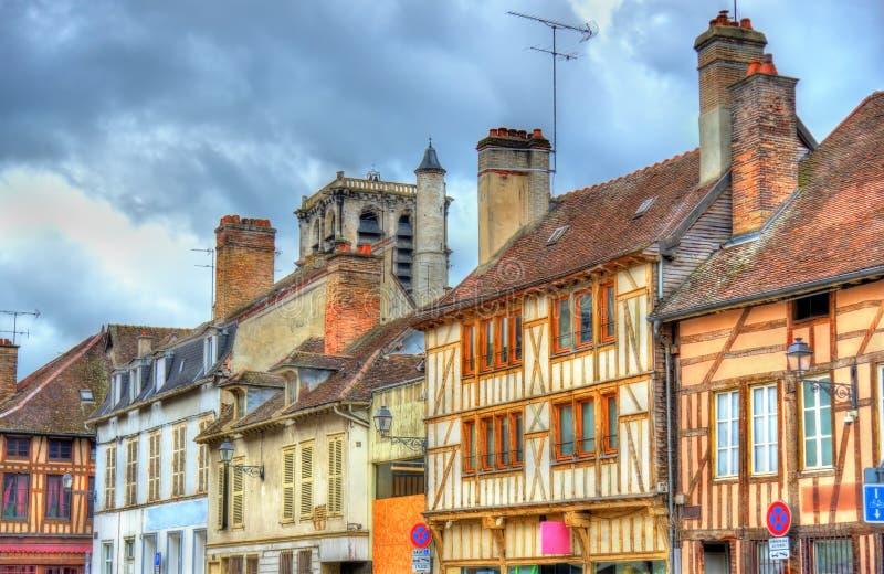 Traditionele huizen in Troyes, Frankrijk stock afbeeldingen