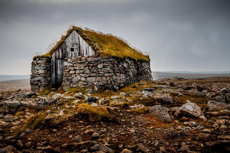 Traditionele hut in IJsland stock foto