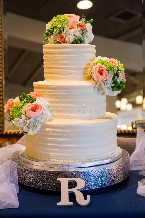 Traditionele Huwelijkscake bij Ontvangst royalty-vrije stock fotografie