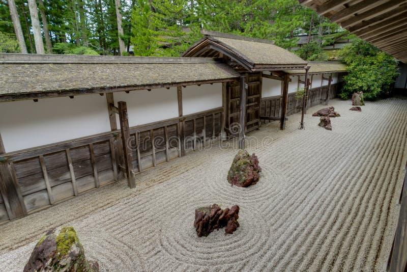 Traditionele Japanse de Woningbouwtempel van de Kongobujitempel met stock foto's