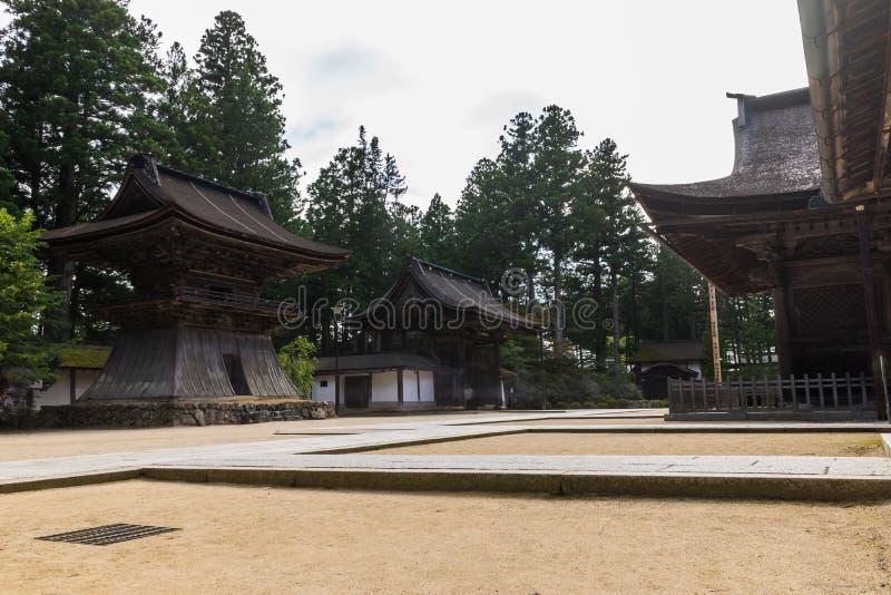Traditionele Japanse de Woningbouwtempel van de Kongobujitempel met stock afbeeldingen