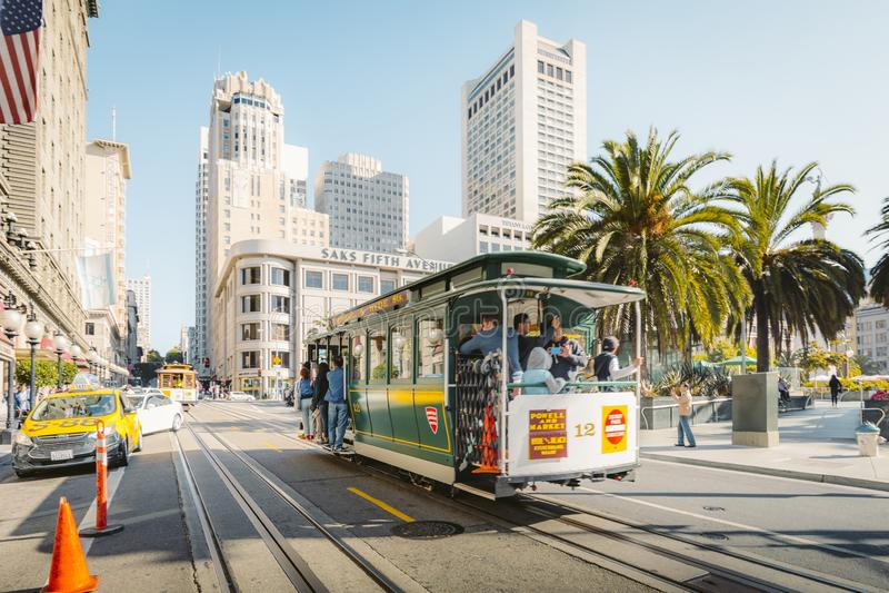 Traditionele Kabelwagen in Union Square in San Francisco, Californië, de V.S. stock afbeelding
