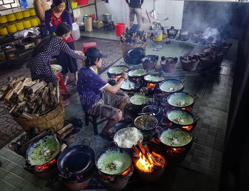 Traditionele keuken in Zuidelijk Vietnam stock foto