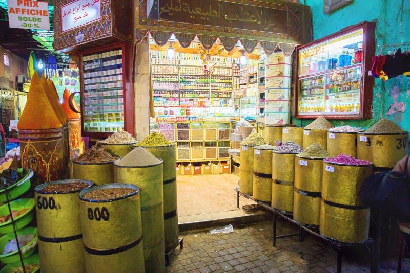 Traditionele kruidenmarkt stock afbeeldingen