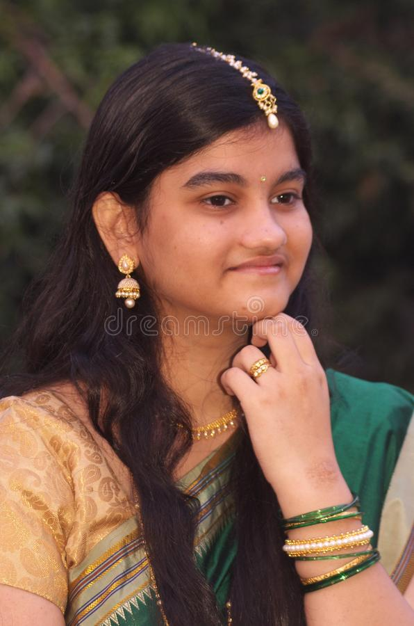 Traditionele Maharashtrian meisje-10 royalty-vrije stock foto's