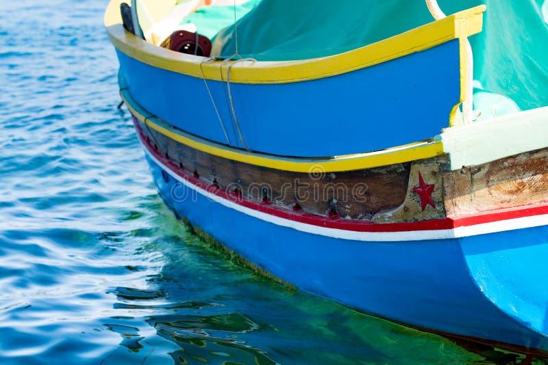 Traditionele Maltese vissersboot, St Thomas Bay, Marsascala, Mal stock foto's