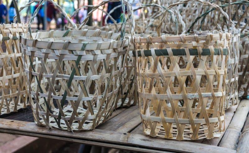 Traditionele mand met de hand gemaakte die foto in pasar jati wordt genomen minggon batang royalty-vrije stock afbeeldingen