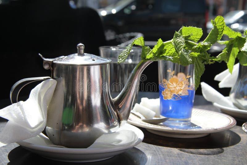 Traditionele Marokkaanse thee royalty-vrije stock fotografie
