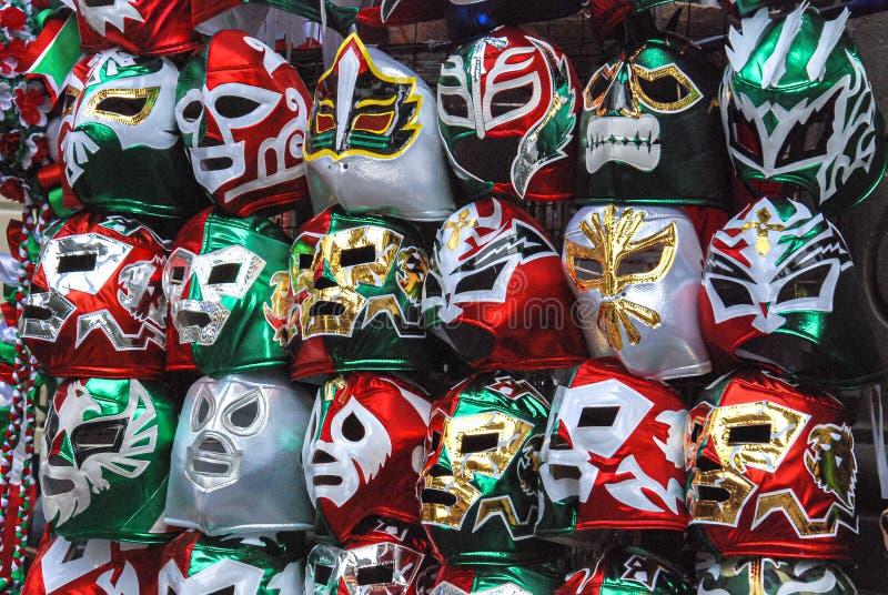Traditionele Mexicaanse kleurrijke vechtersmaskers royalty-vrije stock afbeelding