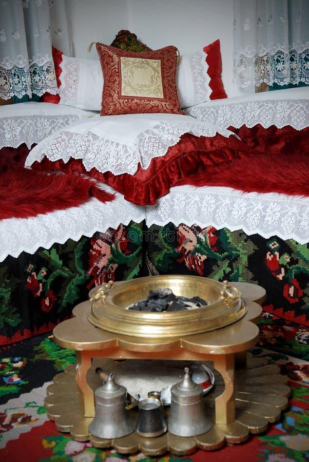 Traditionele Moslimruimte met het Koranboek stock fotografie