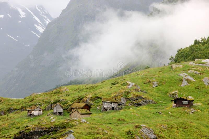 Traditionele Noorse huizen stock afbeelding