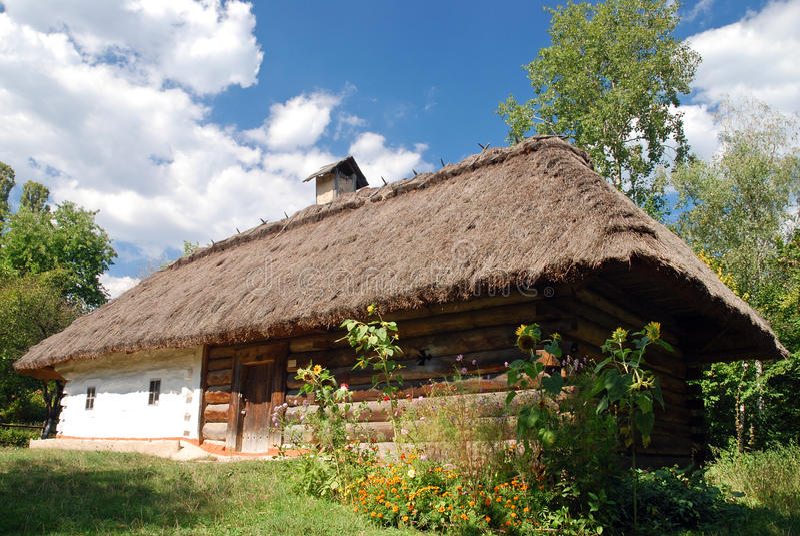 Traditionele Oekraïense hut stock foto's