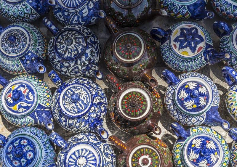 Traditionele Oezbekistaanse decoratieve keramiek voor binnenhuisarchitectuur royalty-vrije stock fotografie