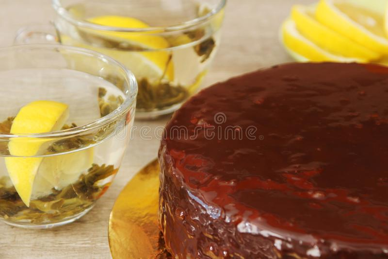 Traditionele Oostenrijkse Sacher-cake stock afbeeldingen