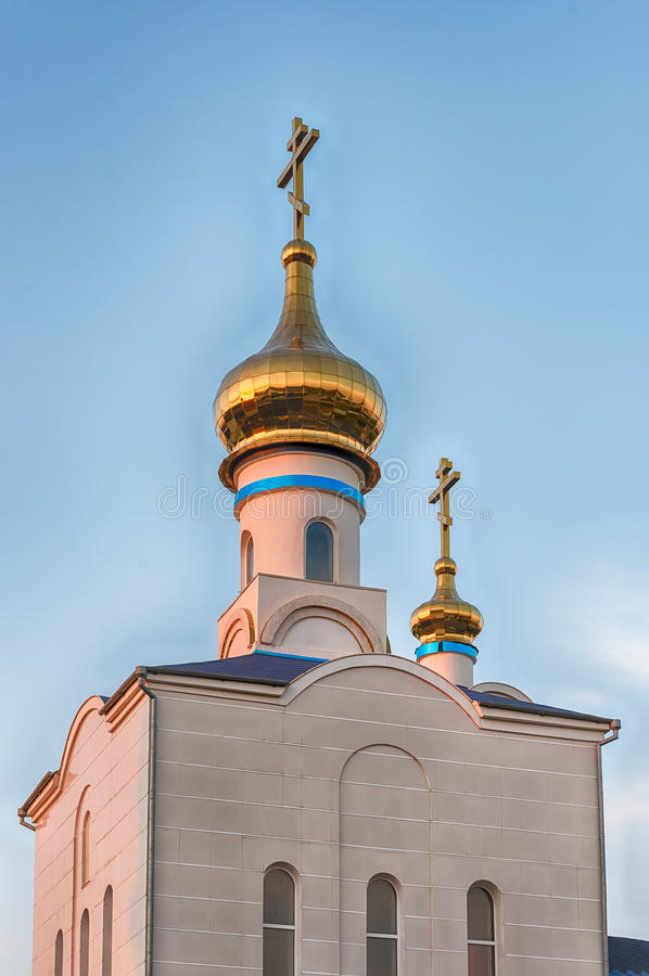 Traditionele orthodoxe kerk in Frunze, klein dorp in de Krim stock foto's