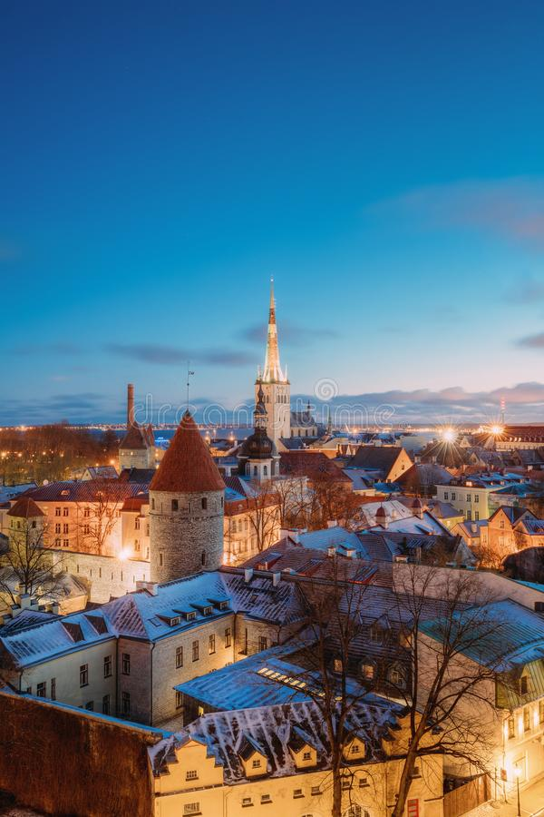 Traditionele Oude Architectuurcityscape in Historisch District van Tallinn stock foto's