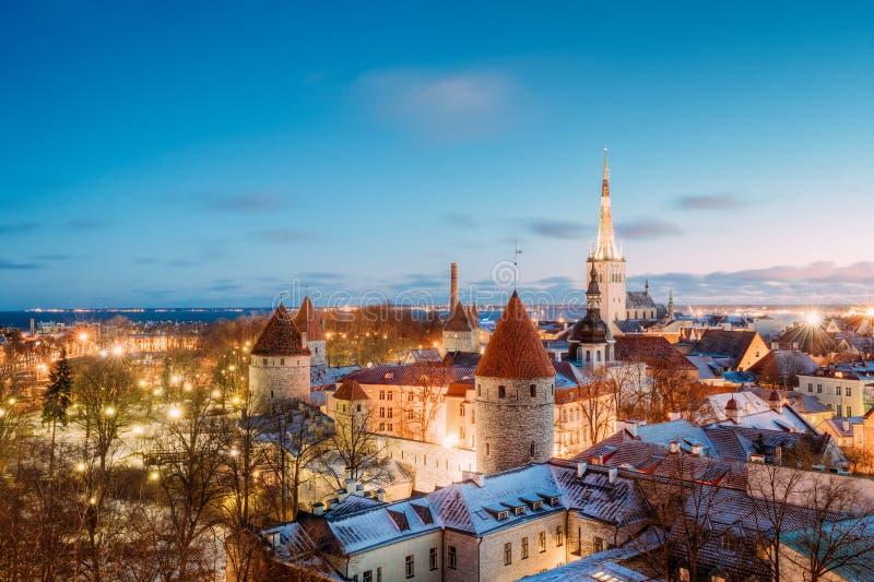 Traditionele Oude Architectuurcityscape in Historisch District van Tallinn stock afbeelding