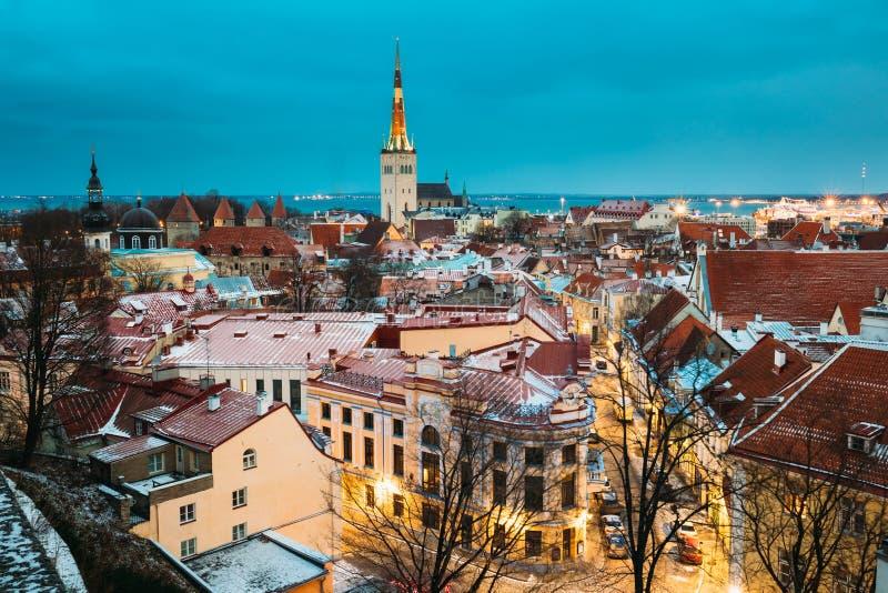 Traditionele Oude Architectuurcityscape in Historisch District van Tallinn royalty-vrije stock afbeeldingen