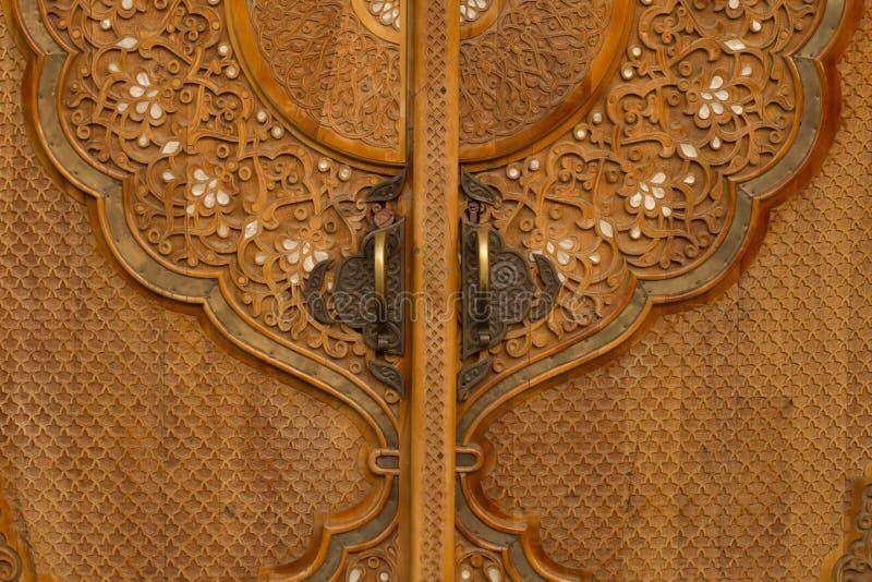 Traditionele oude deur royalty-vrije stock afbeelding