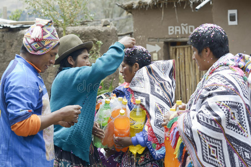 Traditionele Quechua Huwelijksceremonie stock foto