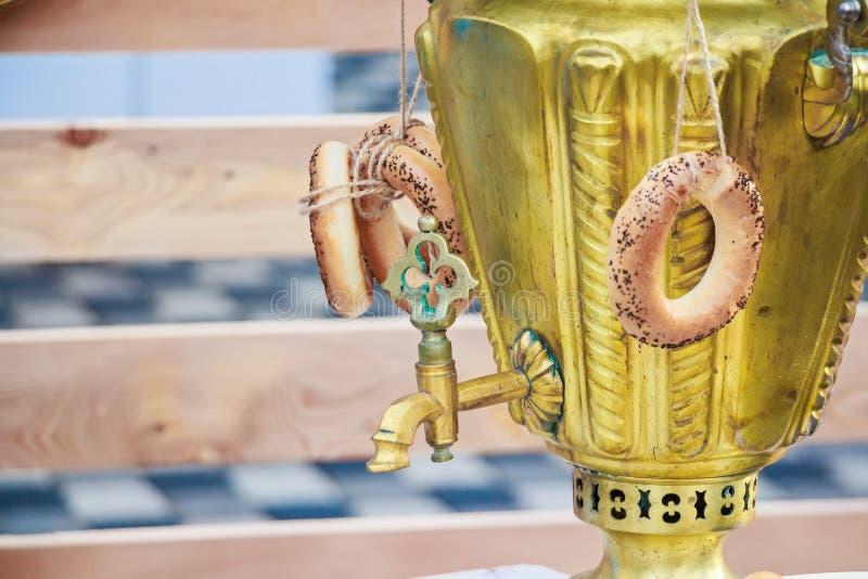 Traditionele Russische samovar stock fotografie