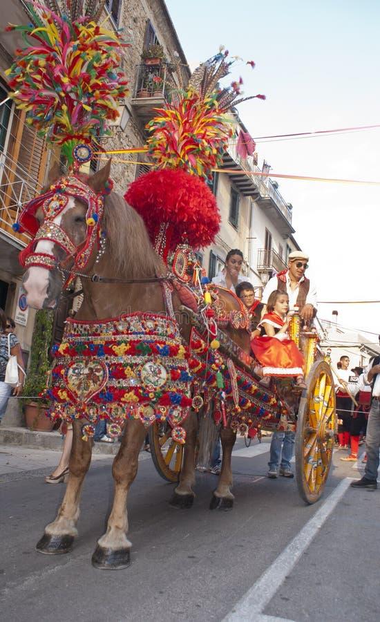 Traditionele Siciliaanse Paard-kar Redactionele Stock Foto
