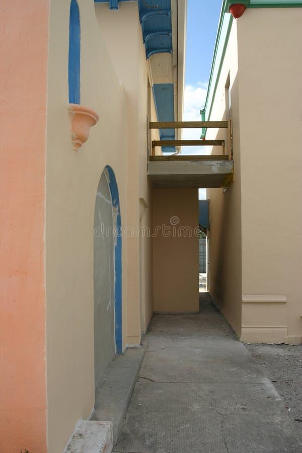 Traditionele Spaanse de stijlgebouwen van Florida in aanbouw stock afbeelding