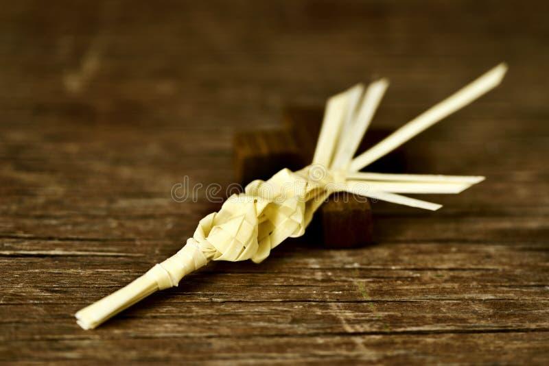 Traditionele Spaanse gevlechte palm die op Palmzondag moet worden gezegend royalty-vrije stock foto's
