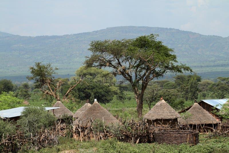 Traditionele strohutten in de Omo-Vallei van Ethiopië stock afbeelding
