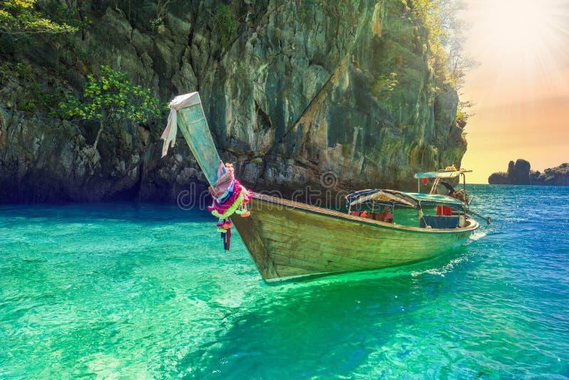 Traditionele taxiboot in Thailand stock afbeeldingen