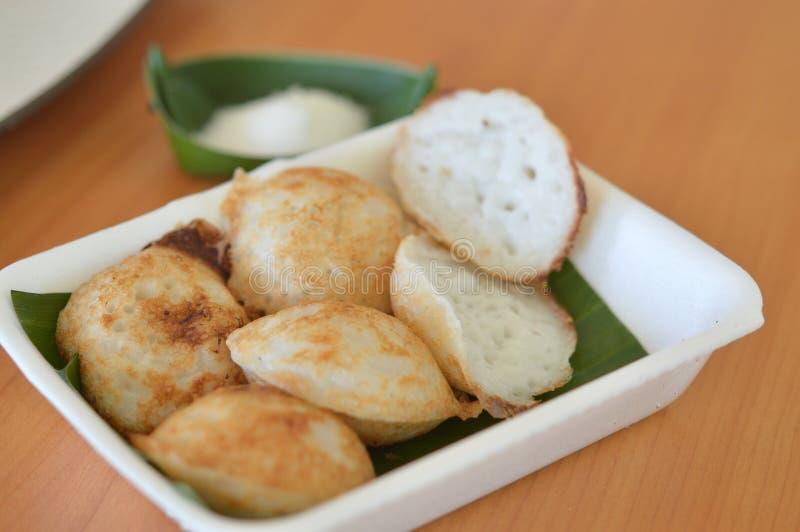 Traditionele Thaise dessert, kokosmelk en van de rijstbloem pannekoek stock afbeelding
