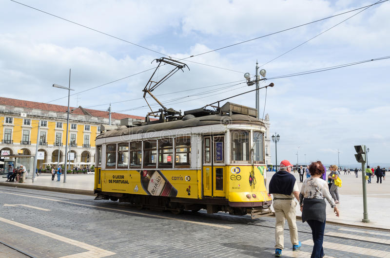 Traditionele tram in Lissabon royalty-vrije stock foto's
